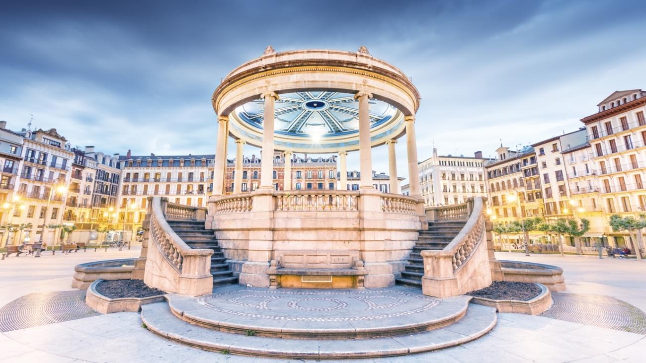plaza-castillo