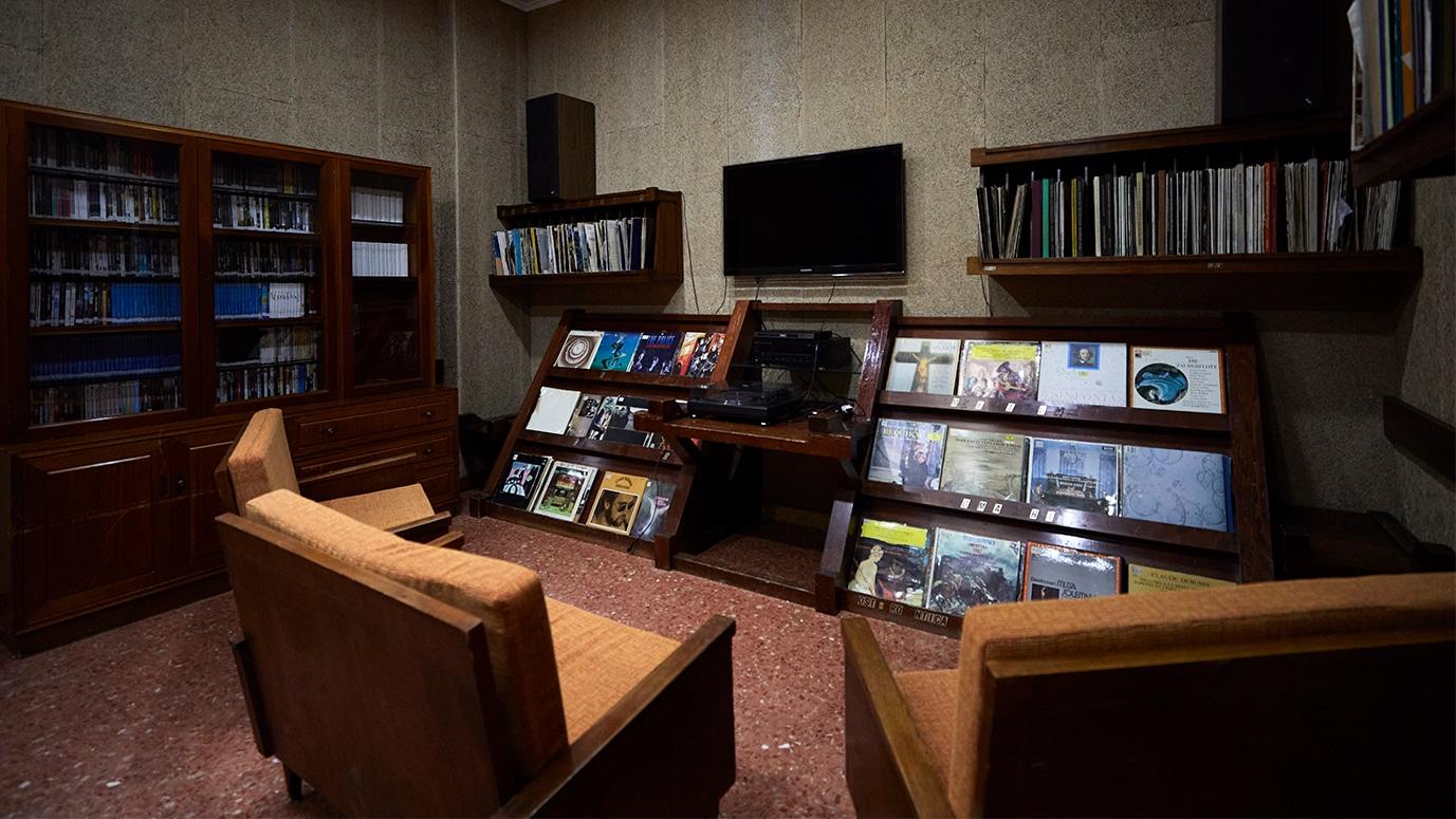 Sala mediateca en el Colegio Mayor