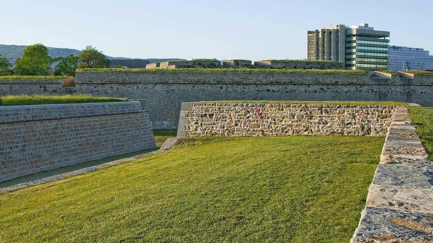 muralla ciudadela de pamplona