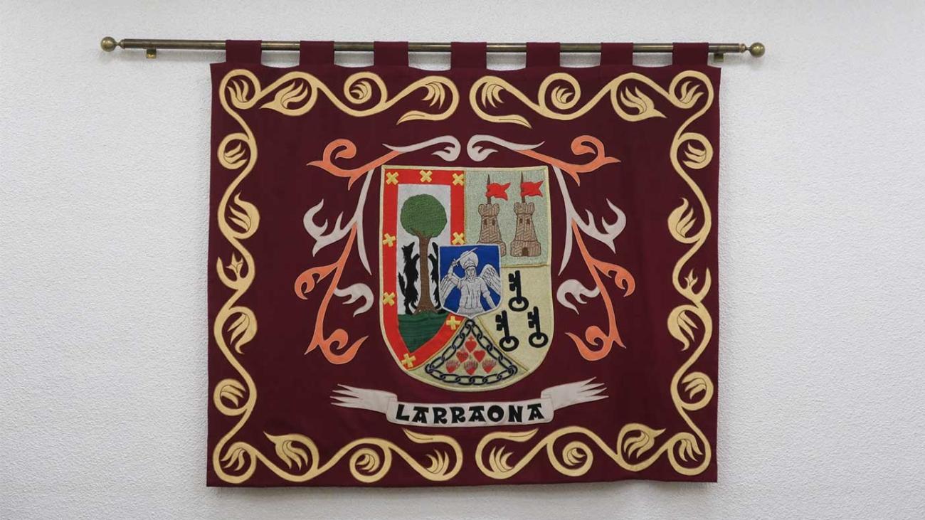 escudo colegio mayor larraona